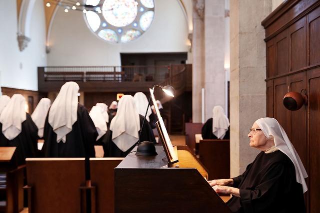 Liturgie des heures vepres - Aelf liturgie des heures office des laudes ...